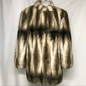 Fabb faux fur coat